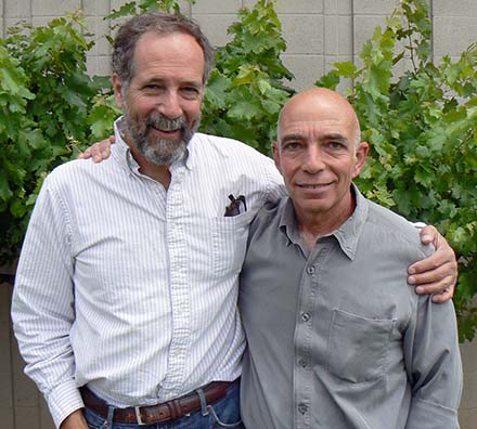 Bat ecologist Dave Johnston of H.T. Harvey & Associates Ecological Consultants, and new Lodi Winegrape Commission sustainable viticulture director Walt Chavoor presented information on bat IPM at the Lodi grapegrower meeting.